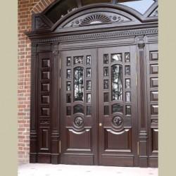 Двери с накладными панелями